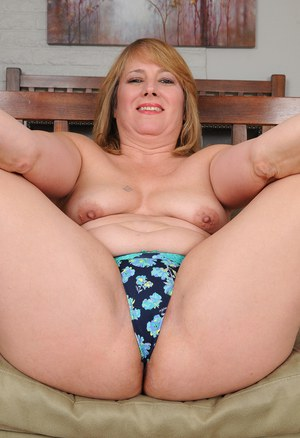 Chubby housewife mature nude topic think