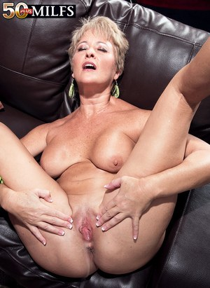 naked women cream pie