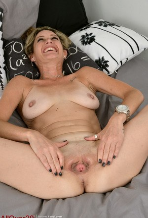 Shaved wives pussis